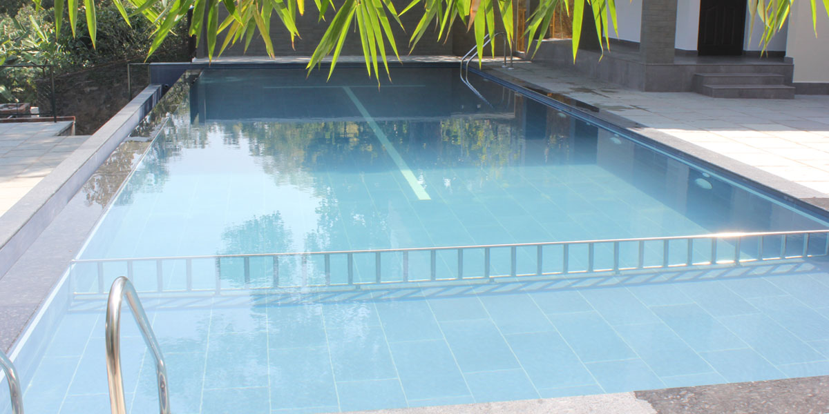 Infinity Pool of Hotel Treetop