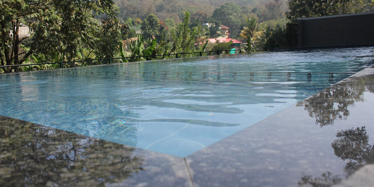 Beautiful Infinity Pool Of Hotel Treetop